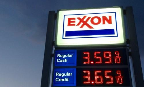 Exxon Gas Station | by JeepersMedia