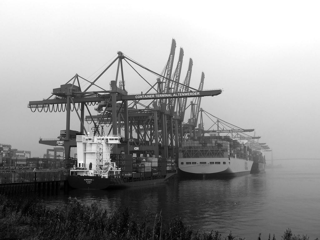 Containerterminal Altenwerder Hamburg