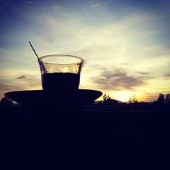 Ini namanya sunset coffee. Citarasa, berasal dari perpaduan kopi dan alam. Amazing taste. #sunset #coffee #culinary #nature