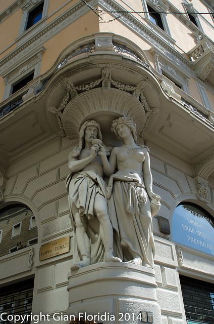 Milano, piazza Cavour: Uniti da 5 generazioni
