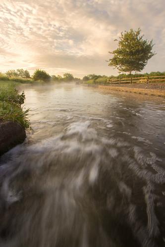 water canon eos canal julian lock derbyshire trent flowing barker derby speeding mersey rushing swarkestone