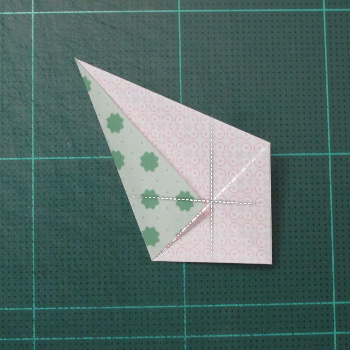 การพับกระดาษเป็นสัญลักษณ์ดาวแปดแฉกคู่ (Double Eight-Pointed Stars Origami) 002