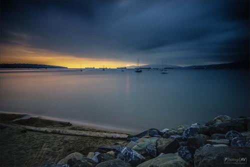 longexposure sunset sea canada beach vancouver strand boats zonsondergang rocks mood britishcolumbia ships zee boten le englishbay schepen sfeer langesluitertijd trotsen