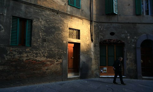 Door ~Dusk streetscape @ Siena ~