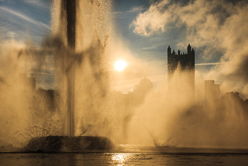water fountain sunrise downtown pittsburgh pennsylvania pa pointstatepark h3a6bd408