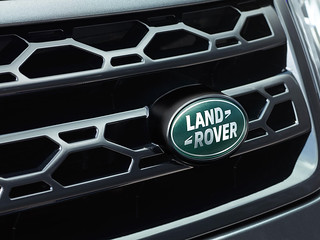 Land-Rover-Discovery-Sport-2014-35