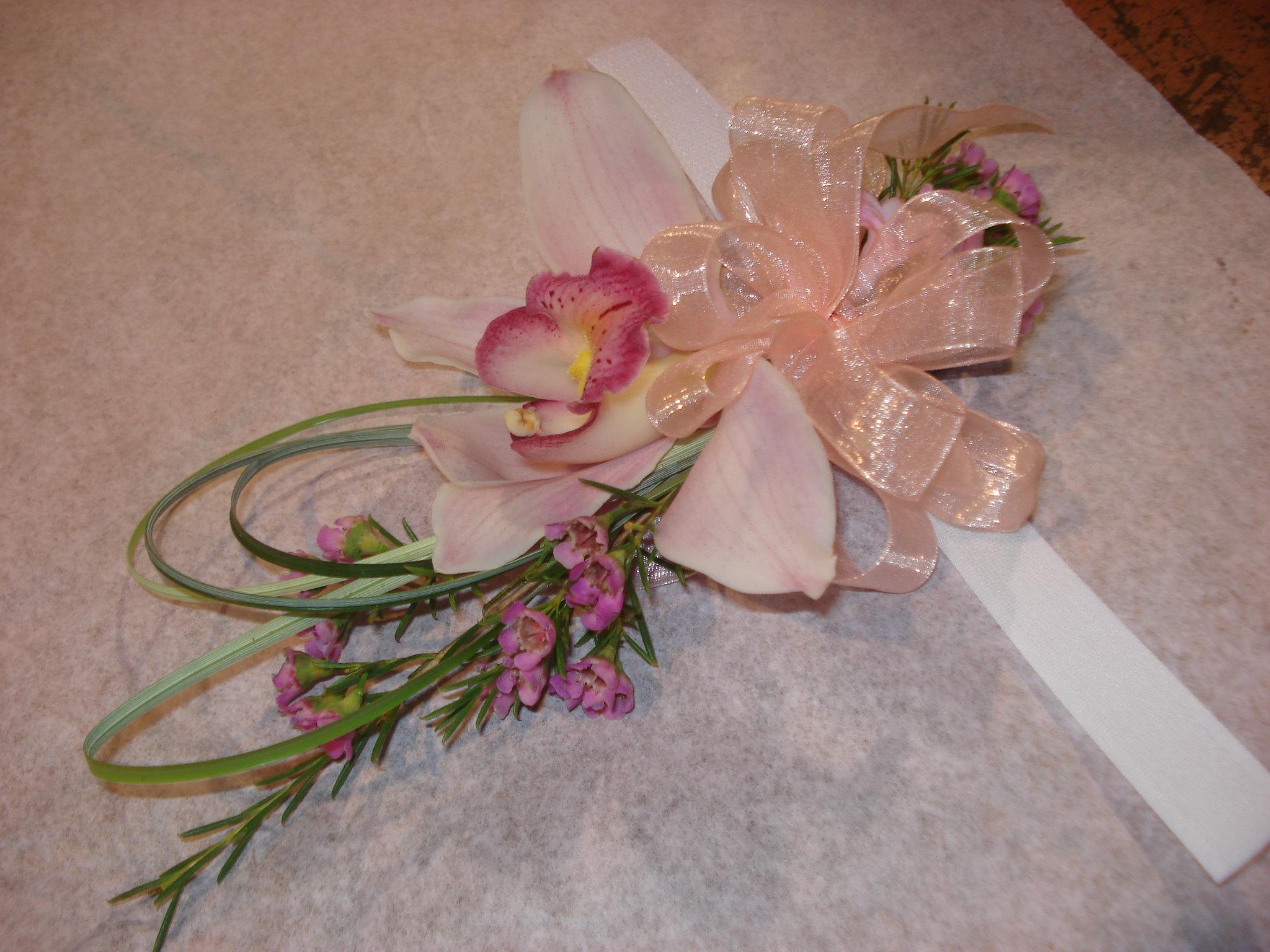 Farah Florist W-CB-2.      $15-20