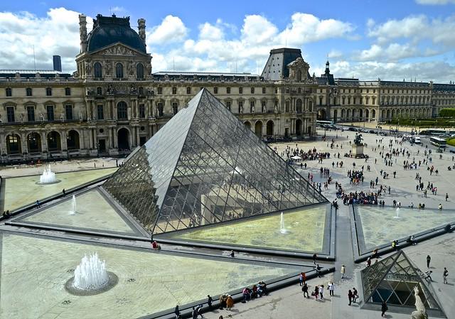 Louvre main entrance - Version 2
