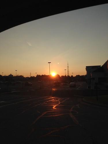sunrise montrose sunrays mobilephotography iphonephotography sunsrisesofflickr flickrsunrises