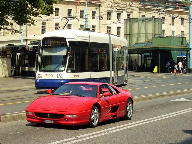 Geneve, Le Joujou et le tramwway