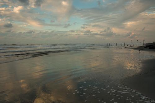 light summer galveston beach weather clouds sunrise sand texas cloudy peaceful pleasant deepsouthbeaches sunskycloud lookoutforpirates