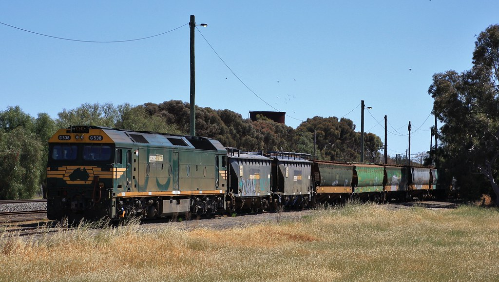 G538 is attached to the stored wagons in Murtoa yard by bukk05