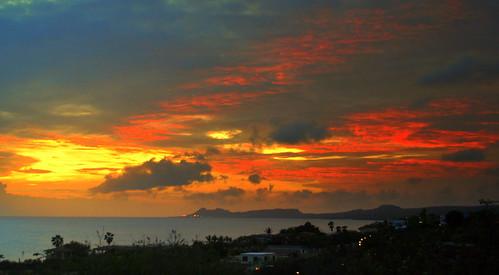 sunset sky clouds island zonsondergang sunsetglow caribbean bonaire eiland avondrood dutchcaribbean caribbeannetherlands caribischnederland