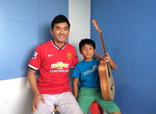 1 to 1 guitar lessons Singapore Xavier