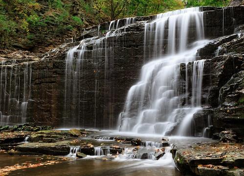ny newyork nature water rock landscape waterfall unitedstates gorge ithaca cascadillagorge sedimentaryrock
