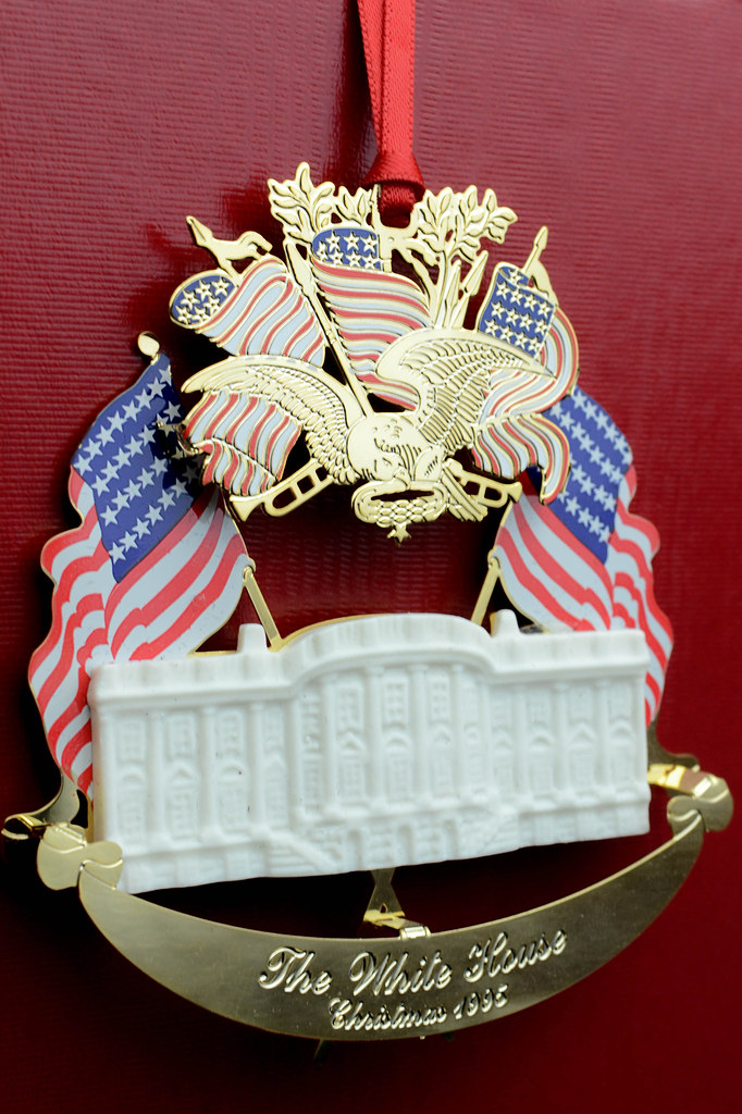 White House Christmas Ornament.The White House Christmas Ornaments 1995 The White House