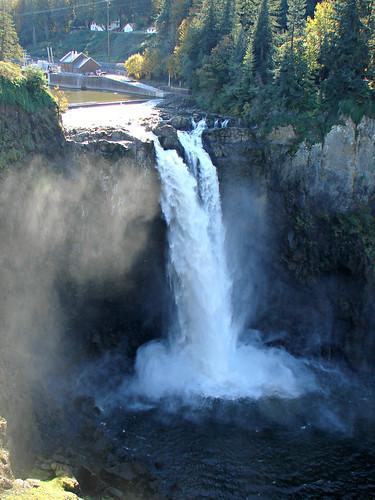 usa television waterfall washington scenic twinpeaks series snoqualmiefalls popular attraction