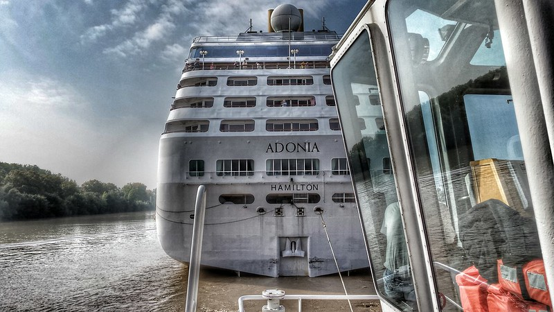 Remorquage et accostage du MS ADONIA - RM THOMAS, Bordeaux, 30 septembre 2014