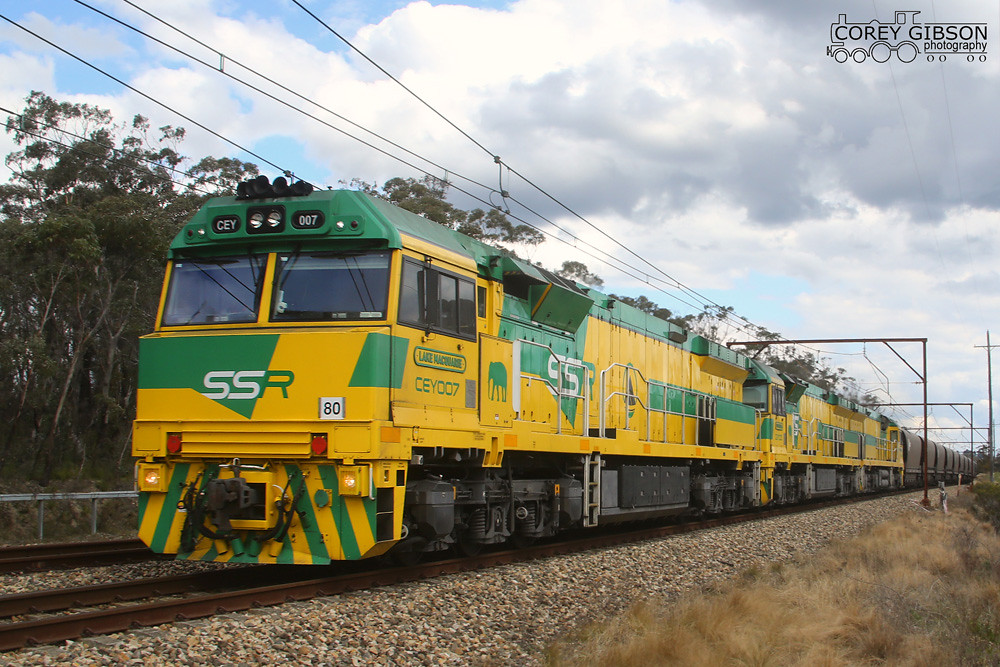 CEY007, CEY001 & CEY005 with the CB05 coalie near Mt Victoria by Corey Gibson