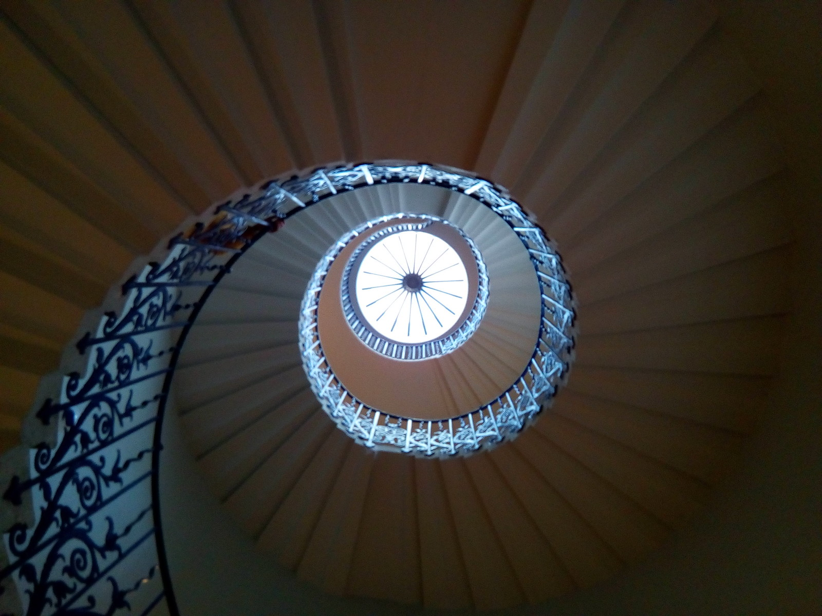Queen's House spiral staircase No visible means of support