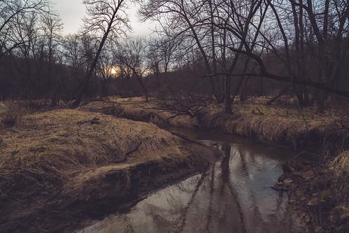 minnesota nerstrand nerstrandbigwoods nerstrandbigwoodsstatepark oakbridge prairiecreek whiteoaktrail creek river sunset unitedstates us