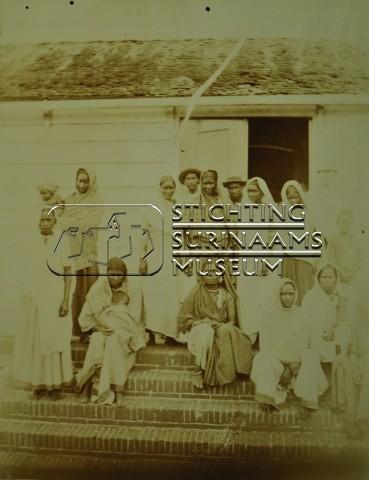 Hindostaanse immigranten | by Stichting Surinaams Museum