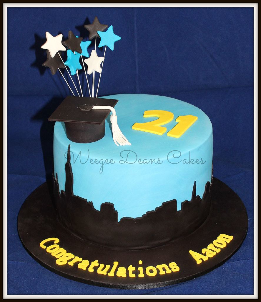 Magnificent Graduation And 21St Birthday Cake Louise Goss Flickr Personalised Birthday Cards Akebfashionlily Jamesorg