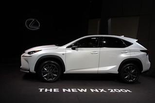 Lexus-2014-Paris-05