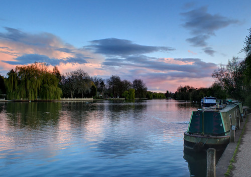 marlow thames england sunset reflection water houseboat spring