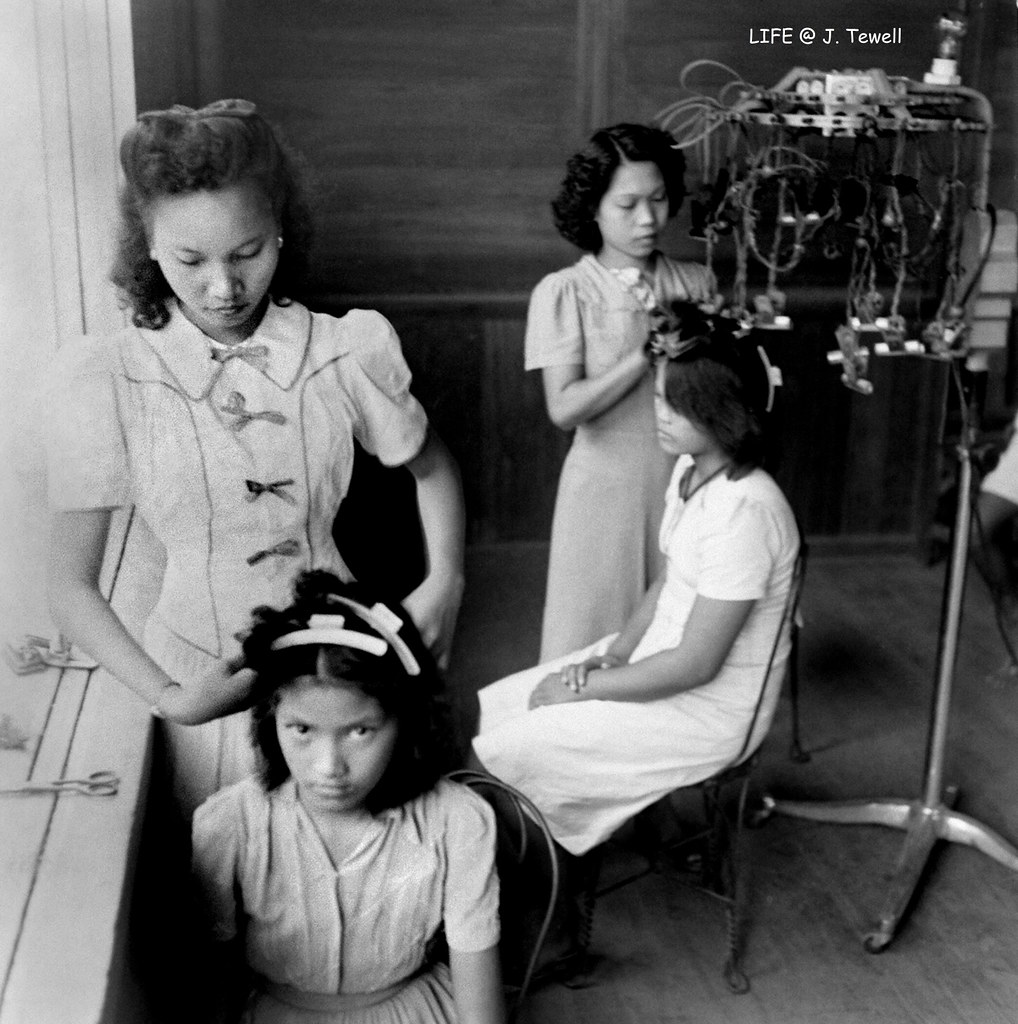 Ladies Having Their Hair Done At A Hair Salon Manila Phi Flickr