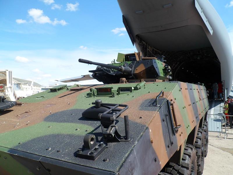 le véhicule blindé de combat ou VBCI de Heller au 1/35 - Page 2 18862592558_35009586a5_c