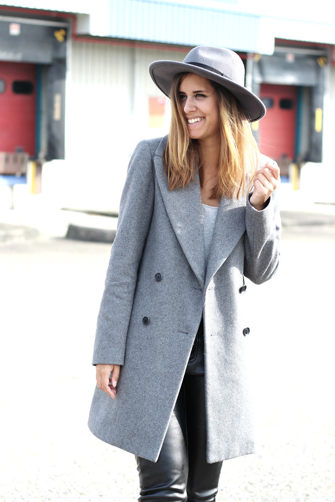 4500fabac6da8 ... Outfit-all-grey-coat-fedora-hat-street-style