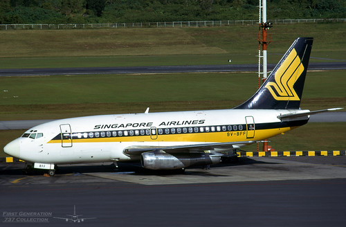 Singapore Airlines B737-112 9V-BFF | by FirstGen737