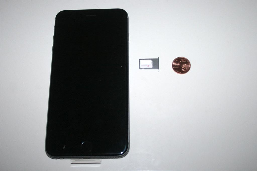 Iphone 6 Welche Sim Karte.07 Iphone 6 Plus Sim Karte Einlegen Insert Sim Card Flickr