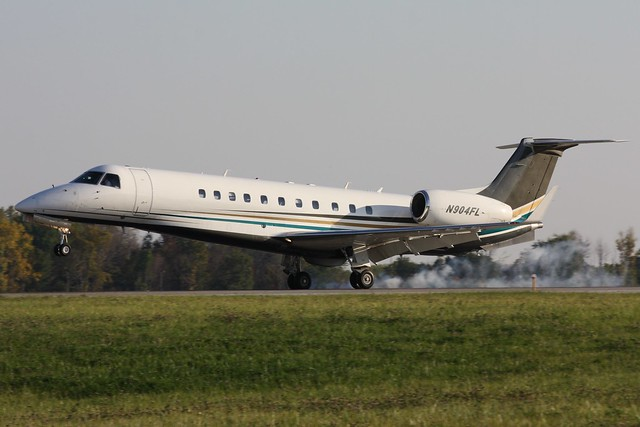 N904FL Embraer ERJ-135 BJ Legacy at KCLE