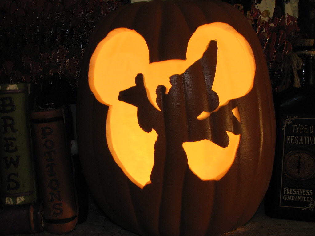 Sorcerer Mickey Mouse Pumpkin Carving