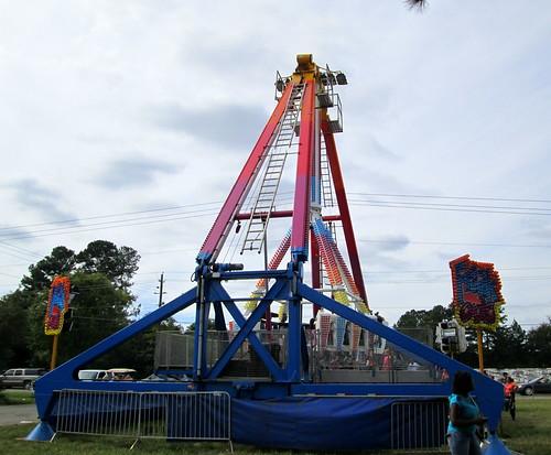 carnival festival fun nc northcarolina fair entertainment rides midway benson carnivalrides amusementrides communityevent fairrides amusementdevice mechanicalrides bensonmuledays michaelsamusements