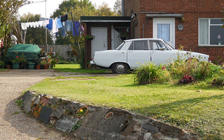 Nissan Laurel, Rover P6 and Washing | by Spottedlaurel
