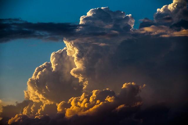 100114 - Thunderstorms over Amherst Nebraska