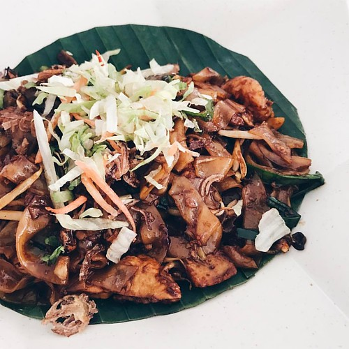 A char kuey teow at The Club   by dannyfoo