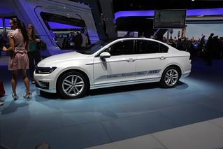 Volkswagen-Passat-GT-E-02