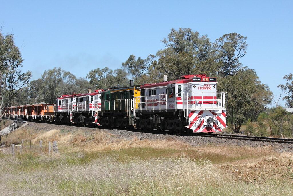 Trangie - John Holland Works Train by james.sanders2