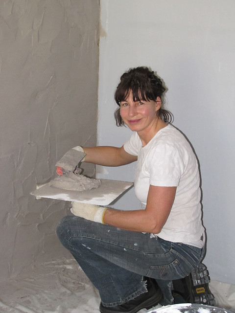 Sue Plastering Office Corner – Strawbale House Build in Redmond Western Australia