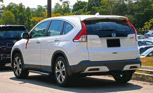 2014 Honda CR-V 2.4L i-VTEC (with opt. Modulo Alpha Package bodykit) Photo