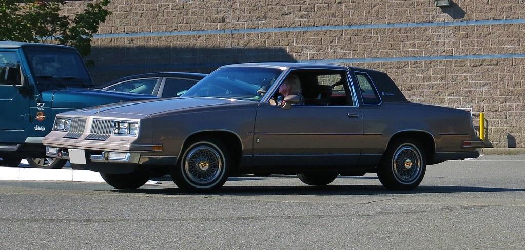 1984 Oldsmobile Cutlass Supreme Brougham Coupe   Custom_Cab