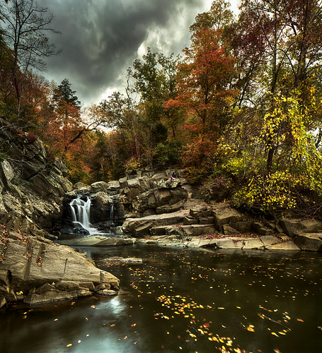 usa fall water virginia waterfall rocks cloudy stormy foliage potomacriver scottsrun cloudsstormssunsetssunrises
