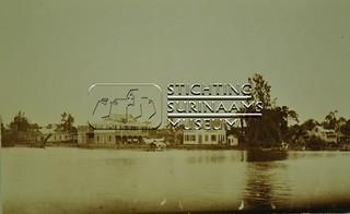 Oever Surinamerivier | by Stichting Surinaams Museum