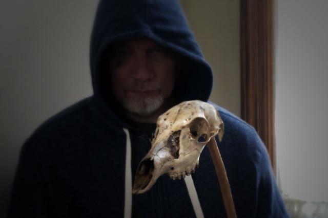 skull onna stick