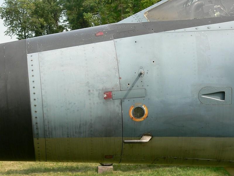 Dassault Mirage F.1 4