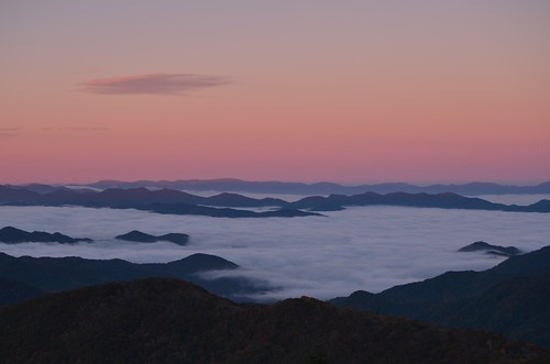 mountains fall fog sunrise dawn october northcarolina valley blueridgemountains blueridgeparkway daybreak brp donbrown coweemountains coweemountainsoverlook gettheflick